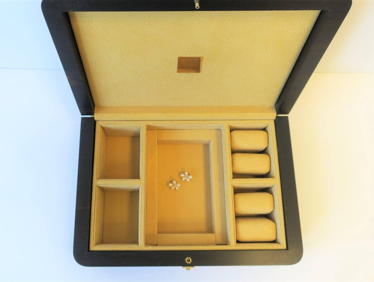 Italian Leather Jewelry Box by Luxury Maker Ghiso In Good Condition For Sale In New York, NY
