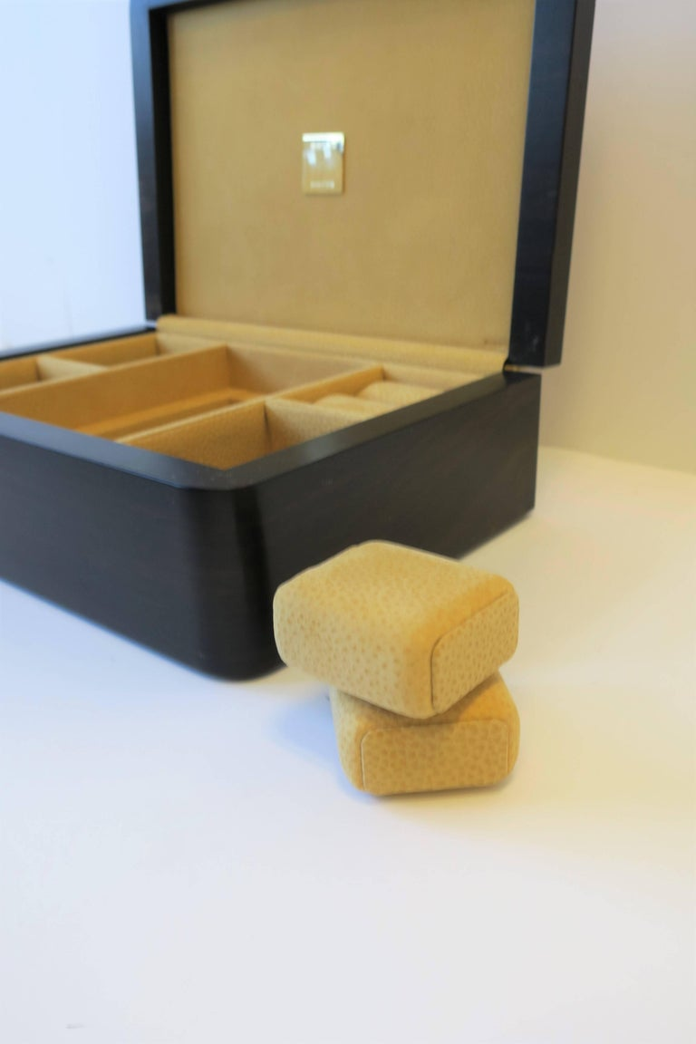 Contemporary Italian Leather Jewelry Box by Luxury Maker Ghiso For Sale