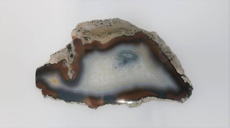 Blue and White Agate Onyx Decorative Object In Good Condition For Sale In New York, NY