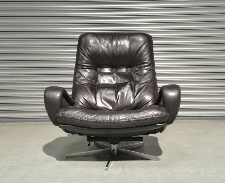 Vintage De Sede S 231 James Bond Swivel Lounge Armchair and Ottoman, 1960s For Sale 6