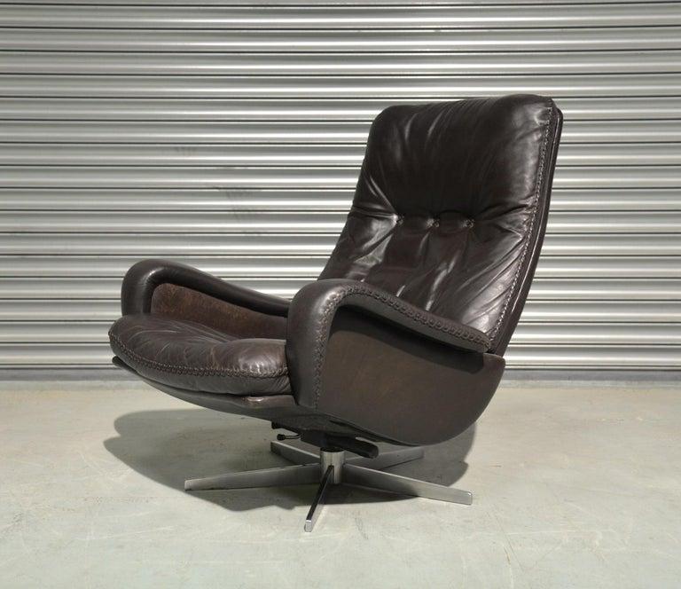 Mid-20th Century Vintage De Sede S 231 James Bond Swivel Lounge Armchair and Ottoman, 1960s For Sale