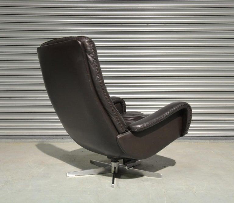 Vintage De Sede S 231 James Bond Swivel Lounge Armchair and Ottoman, 1960s For Sale 3
