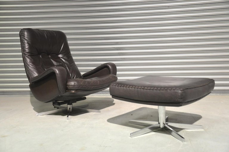 Discounted airfreight for our US and International customers (from 2 weeks door to door)  We are delighted to bring to you an ultra-rare and highly desirable Vintage 1960s De Sede S 231 James Bond swivel lounge armchair with ottoman. This same