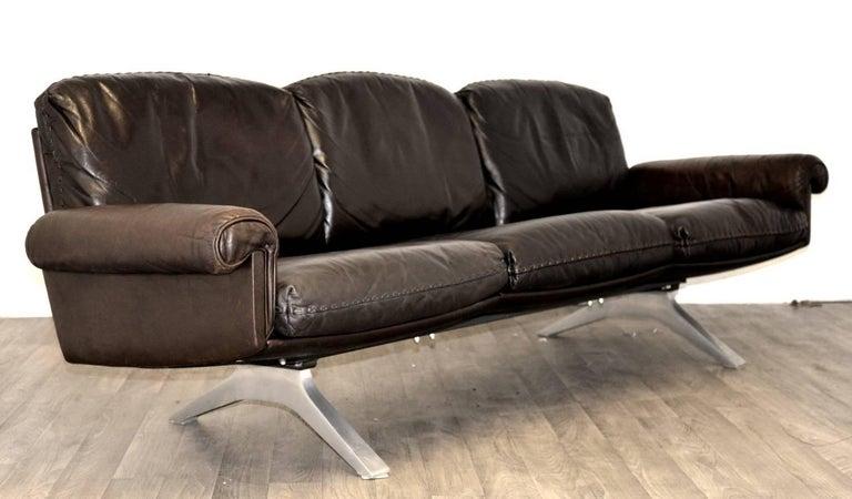 Swiss Vintage De Sede DS 31 Leather Three-Seat Sofas, Switzerland 1970`s For Sale