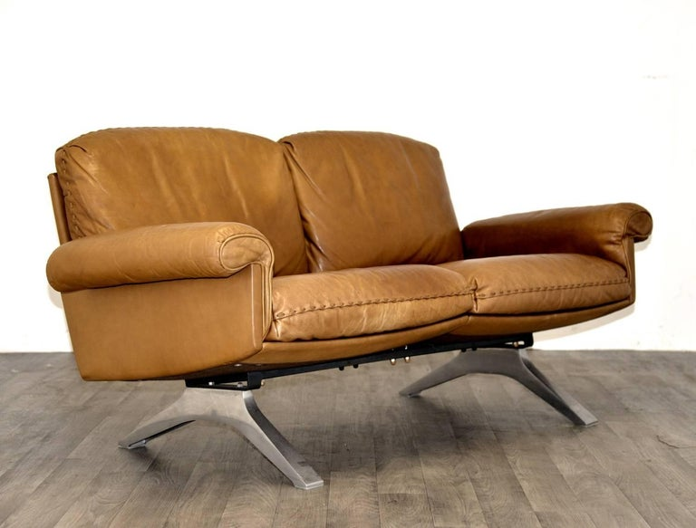 Vintage De Sede DS 31 Two-Seat Sofa and Swivel Lounge Armchairs 1970`s For Sale 3