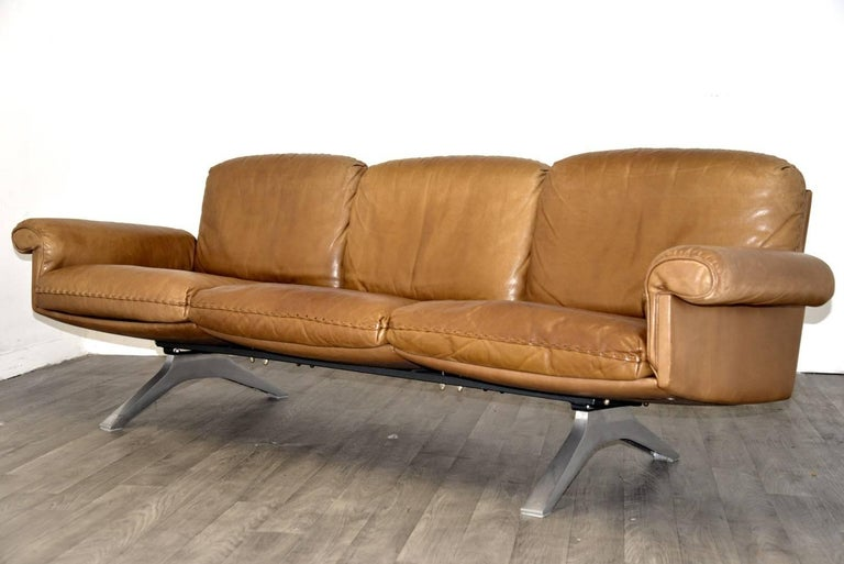 Leather Vintage De Sede DS 31 Sofa and Swivel Lounge Club Armchair, Switzerland 1970s For Sale
