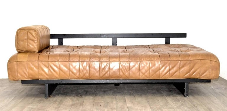 Mid-20th Century Vintage Swiss De Sede DS 80 leather Daybed, 1960s For Sale