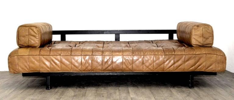 Vintage Swiss De Sede DS 80 leather Daybed, 1960s In Good Condition For Sale In Cambridgeshire, GB