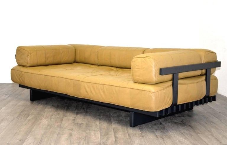 Mid-Century Modern Vintage Swiss de Sede DS 80 leather Daybed, 1960`s For Sale
