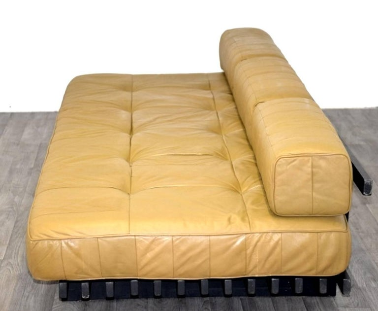 Mid-20th Century Vintage Swiss de Sede DS 80 leather Daybed, 1960`s For Sale