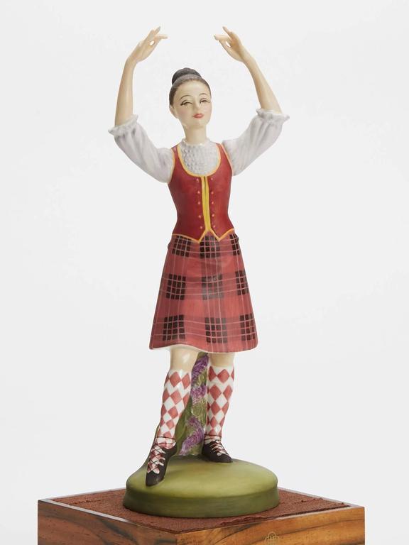 Royal Doulton Scottish Dancer Figurine, 1978 In Good Condition For Sale In Bishop's Stortford, Hertfordshire