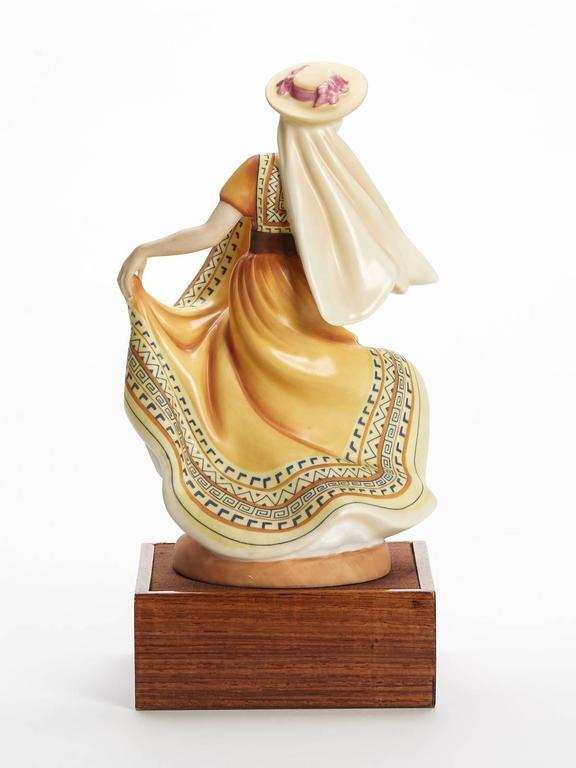 Royal Doulton Mexican Dancer Figurine, 1978 In Good Condition For Sale In Bishop's Stortford, Hertfordshire