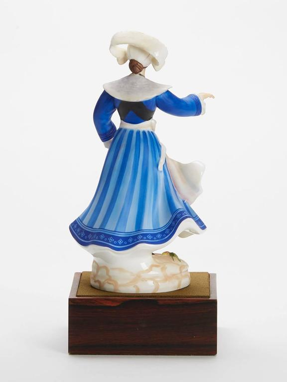 Royal Doulton Breton Dancer Figurine 1981 In Good Condition For Sale In Bishop's Stortford, Hertfordshire