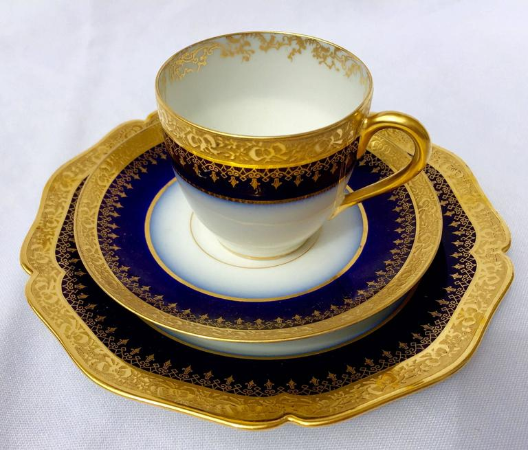 Neoclassical Limoges Porcelain Demi-Tasse/Espresso Cups For Sale & Limoges Porcelain Demi-Tasse/Espresso Cups at 1stdibs