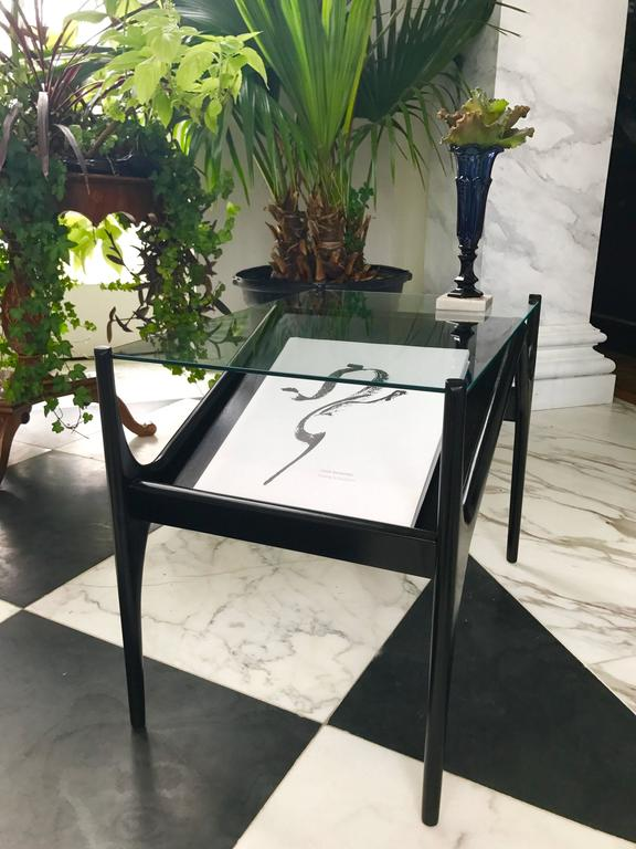 Ebonized Pair of Mid-Century Modern End Tables For Sale