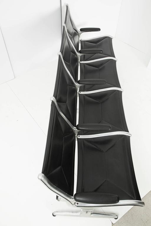 Tandem Sling by Ray and Charles Eames for Herman Miller, Four-Seat In Good Condition For Sale In Los Angeles, CA