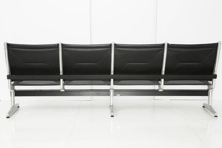 Mid-Century Modern Tandem Sling by Ray and Charles Eames for Herman Miller, Four-Seat For Sale