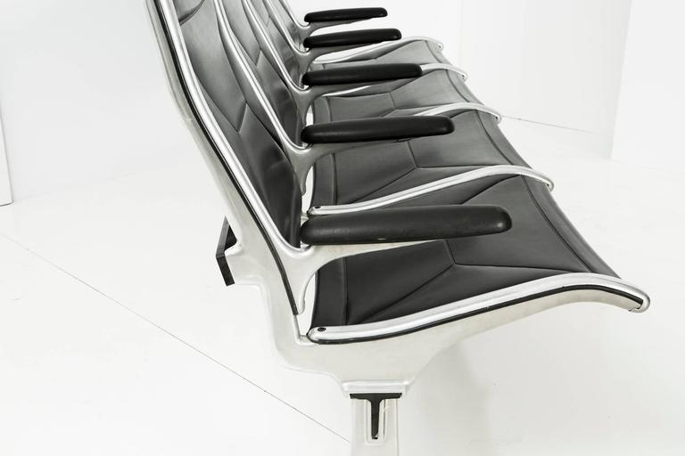 Mid-20th Century Tandem Sling by Ray and Charles Eames for Herman Miller, Four-Seat For Sale