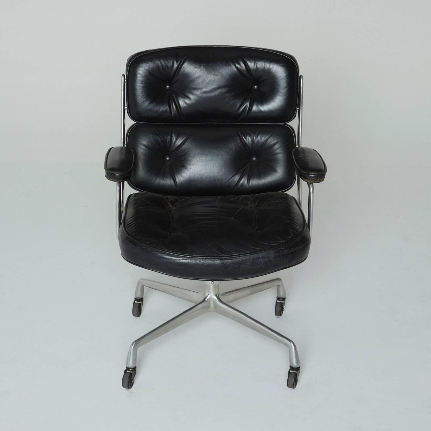 early time life executive chair by charles eames for