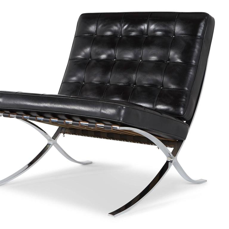 Barcelona Lounge Chair by Ludwig Mies van der Rohe for Knoll at 1stdibs