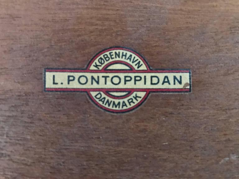Refinished Eske Kristensen Teak Nesting Tables by Ludwig Pontoppidan, circa 1960 For Sale 2