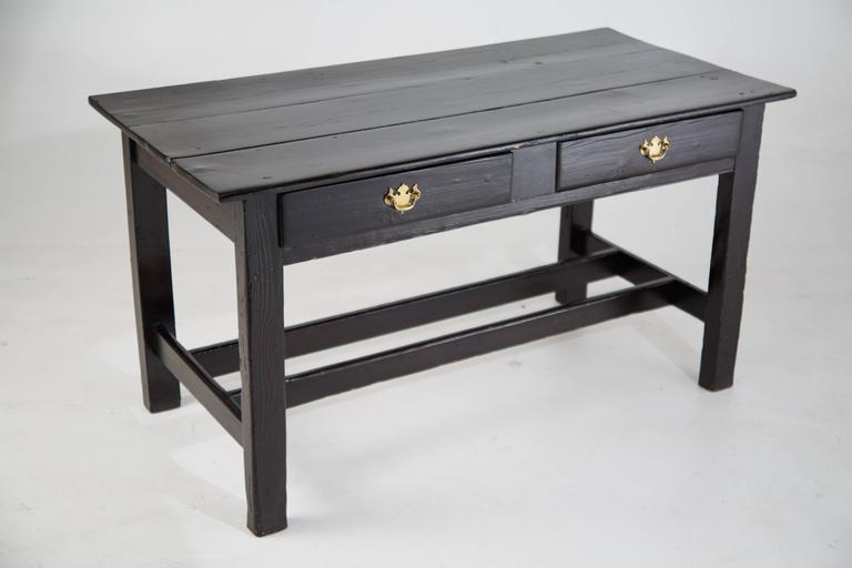 Vintage Black Lacquered Wooden Desk with Brass Hardware In Good Condition For Sale In Los Angeles, CA