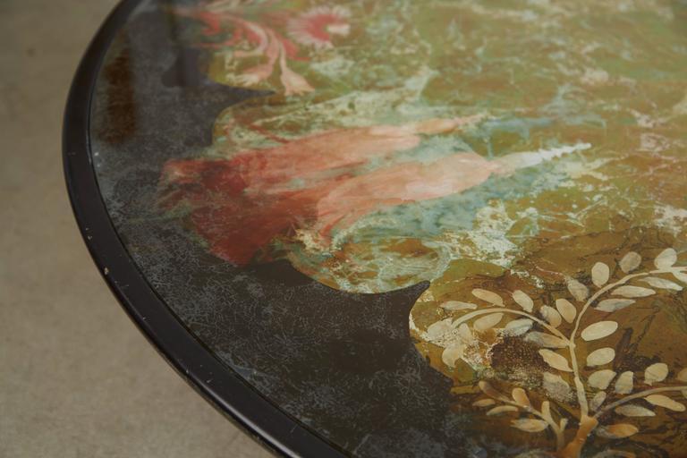 Scandinavian Verre Églomisé Round Floral Painted Coffee Table, circa 1940 For Sale 1