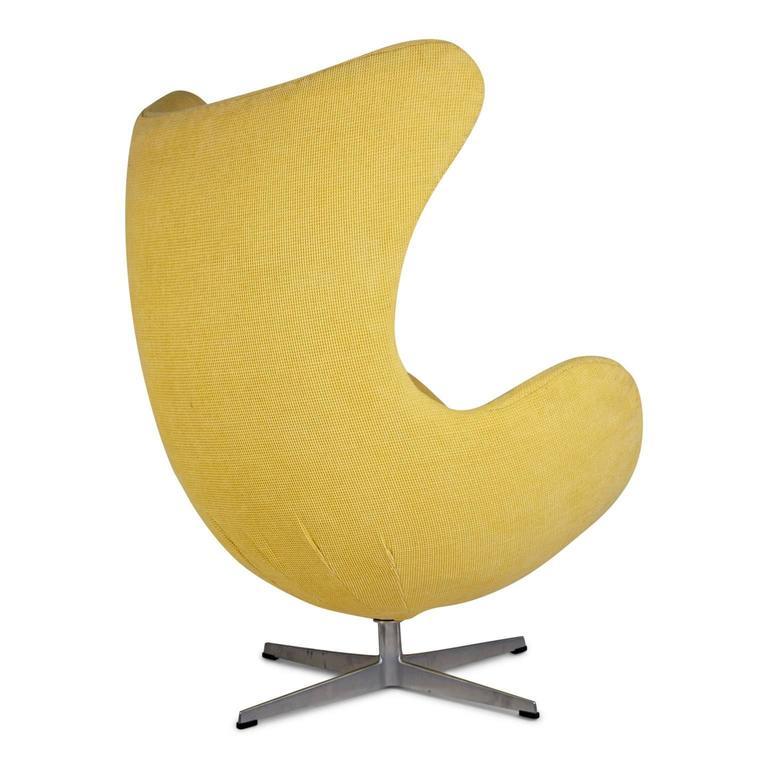Danish Arne Jacobsen for Fritz Hansen Model 3316 Egg Chairs and Footstools