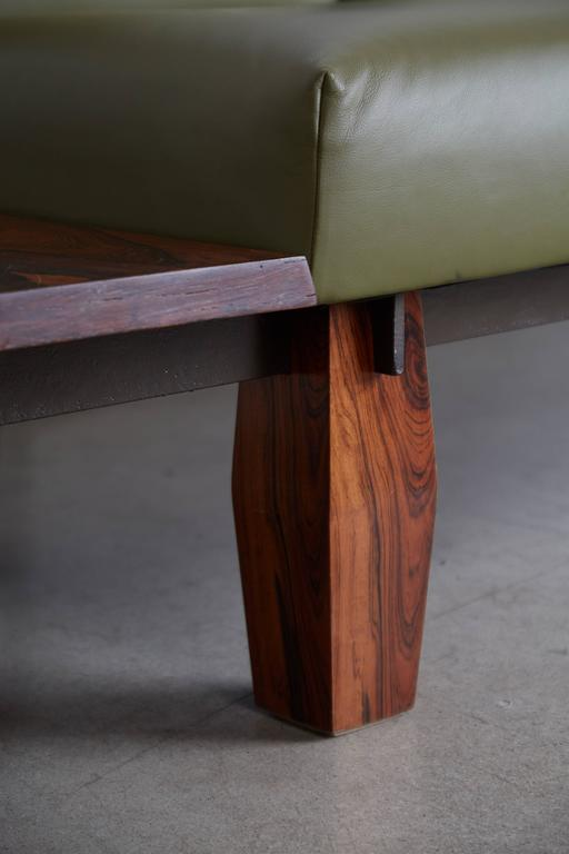 Jorge Zalszupin for L'atelier Brazilian Rosewood and Leather Sofa w Side Table For Sale 1