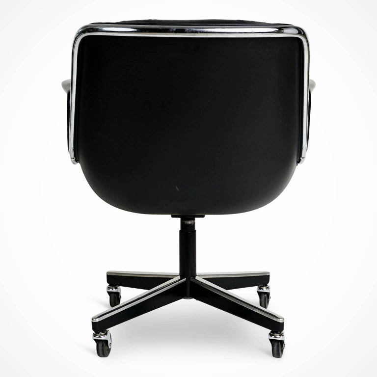 Charles Pollock for Knoll Executive Desk Chair, circa 1980 In Good Condition For Sale In Los Angeles, CA