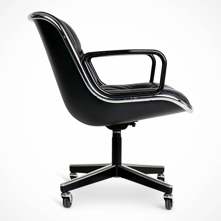Mid-Century Modern Charles Pollock for Knoll Executive Desk Chair, circa 1980 For Sale