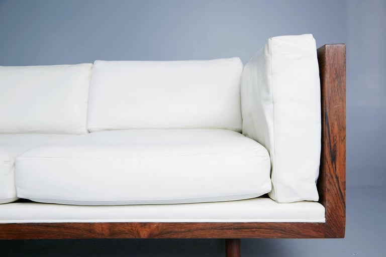 Rosewood and Leather Case Sofa by Milo Baughman for Thayer Coggin, circa 1960 For Sale 1