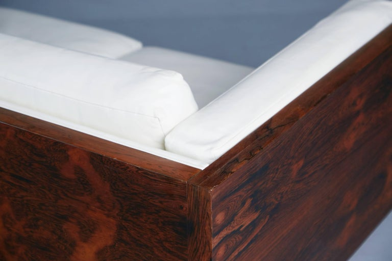 Rosewood and Leather Case Sofa by Milo Baughman for Thayer Coggin, circa 1960 For Sale 2