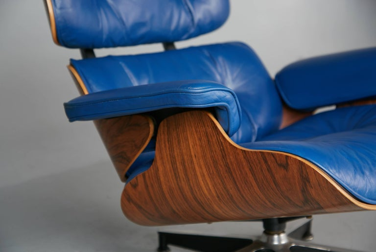 Outstanding Blue Leather And Rosewood Eames Lounge Chair 670 For Herman Caraccident5 Cool Chair Designs And Ideas Caraccident5Info