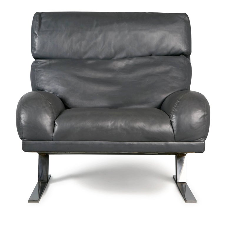 Mid-Century Modern Milo Baughman Grey Leather Lounge Chair and Ottoman for Directional, circa 1970 For Sale