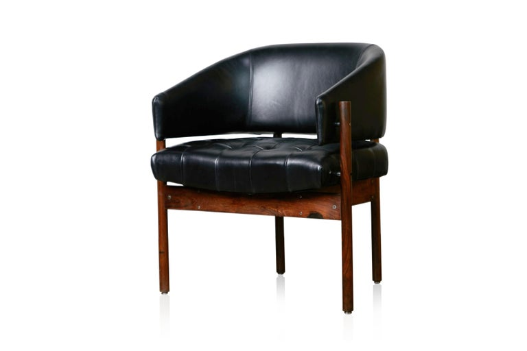 Original Jorge Zalszupin Rosewood & Leather Armchairs, Produced in 1972, Brazil For Sale 2