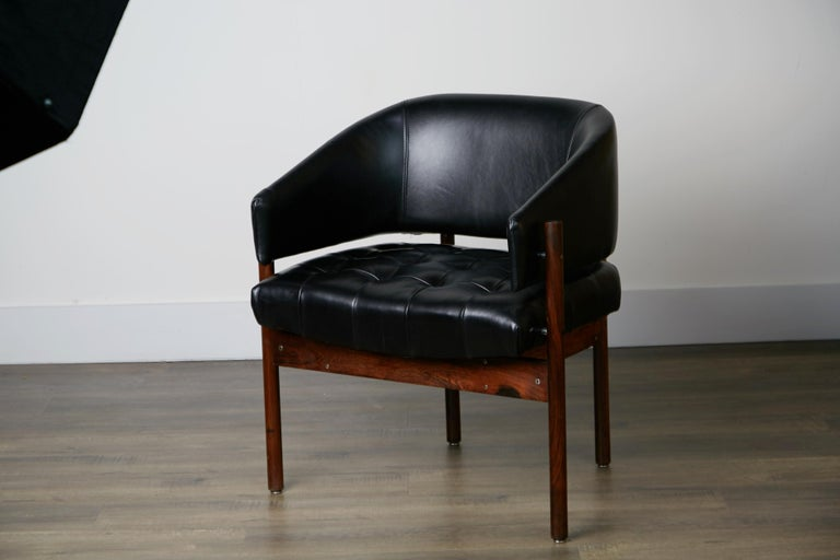 Original Jorge Zalszupin Rosewood & Leather Armchairs, Produced in 1972, Brazil For Sale 8