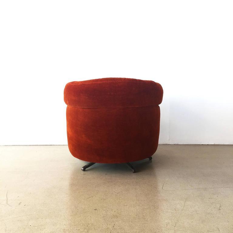 Seasonal Deal Lounge Swivel Chair In The Style Of Milo