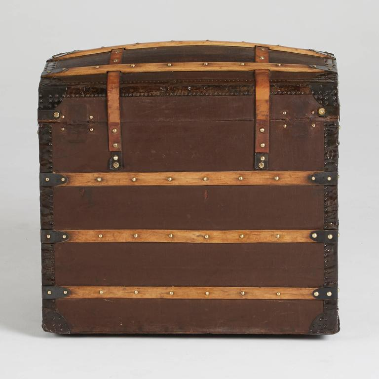 Moynat Steamer Trunk, Restored, France circa 1920s In Good Condition For Sale In Los Angeles, CA
