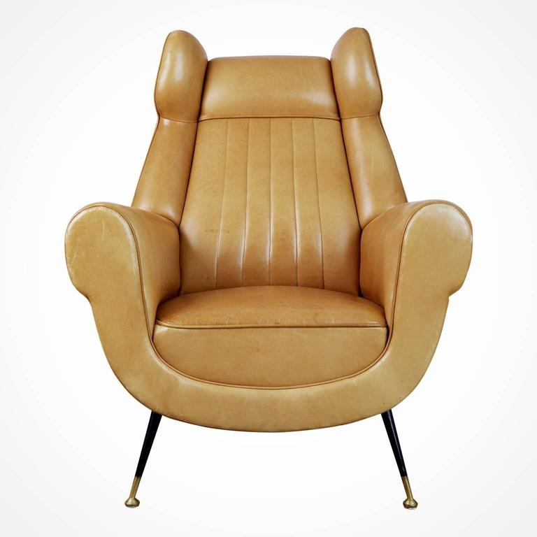 This pair of 1960s Gigi Radice for Minotti leather wingback chairs are currently the gallery owners favorite pair of armchairs in our collection - a simply stunning and incredibly buttery soft eye catcher, these chairs are a must-see to appreciate.