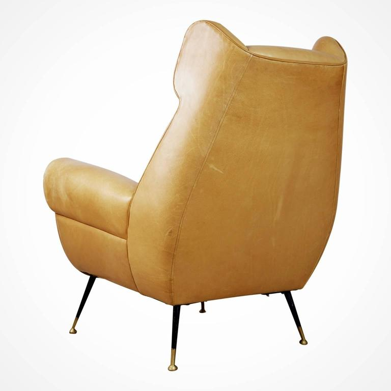 Gigi Radice for Minotti Leather Wingback Chairs, Pair, Italy circa 1960 In Good Condition For Sale In Los Angeles, CA