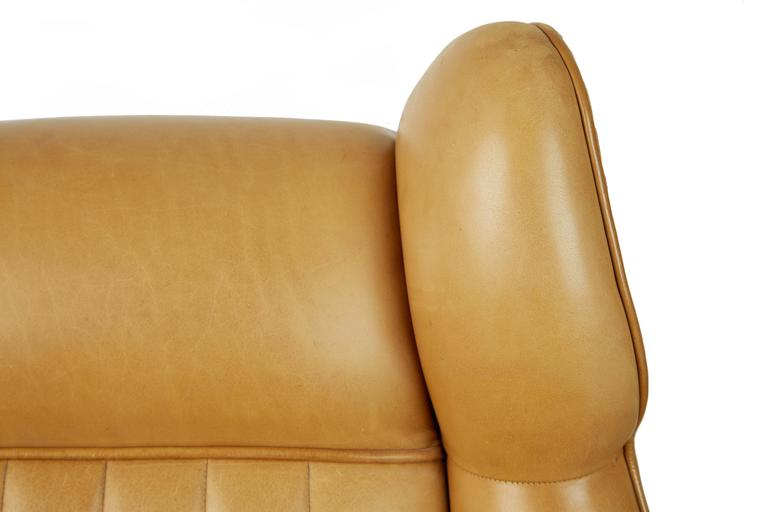Gigi Radice for Minotti Leather Wingback Chairs, Pair, Italy circa 1960 For Sale 1