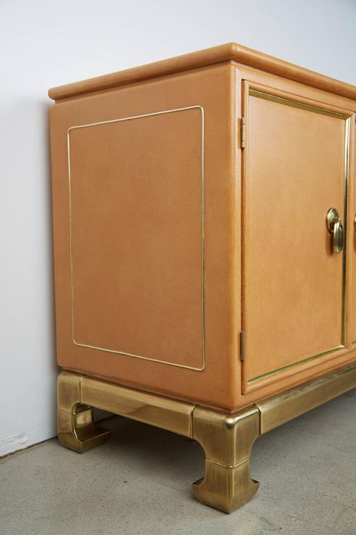 Mastercraft Lacquered Faux Ostrich Skin & Brass Credenza, circa 1970 In Excellent Condition For Sale In Los Angeles, CA