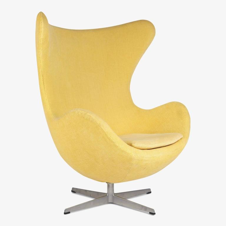 arne jacobsen for fritz hansen model 3316 egg chairs and