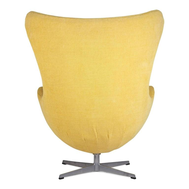 Mid-20th Century Arne Jacobsen for Fritz Hansen Model 3316 Egg Chairs and Footstools