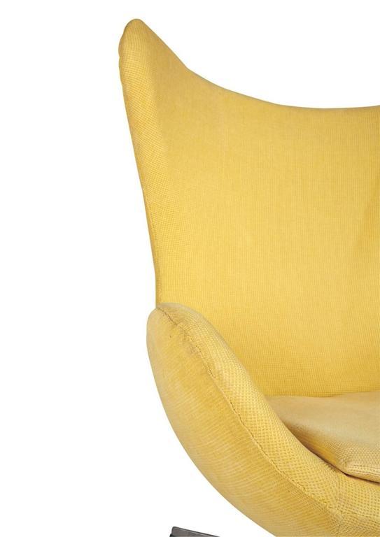 Arne Jacobsen for Fritz Hansen Model 3316 Egg Chairs and Footstools 1
