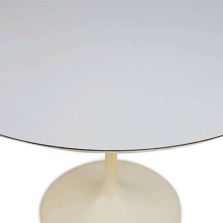 Tulip Dining Table by Eero Saarinen for Knoll Associates In Good Condition In Los Angeles, CA