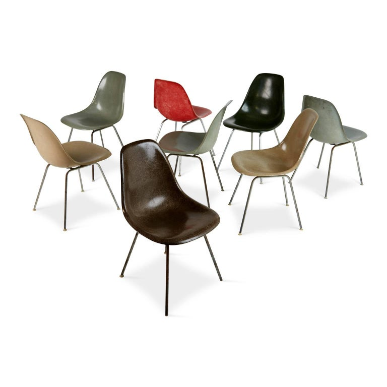 Mid-Century Modern Charles & Ray Eames for Herman Miller Fiberglass DSX Chairs, Early Production For Sale