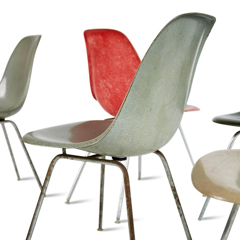 Charles & Ray Eames for Herman Miller Fiberglass DSX Chairs, Early Production In Good Condition For Sale In Culver City, CA