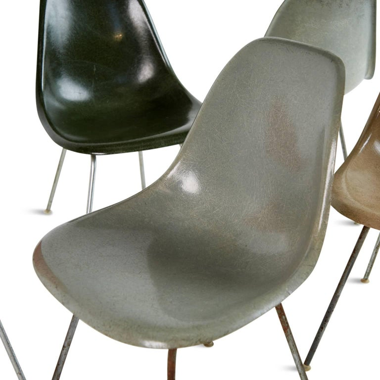 Charles & Ray Eames for Herman Miller Fiberglass DSX Chairs, Early Production For Sale 1